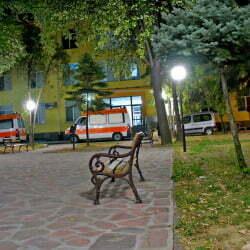 МБАЛ Троян - линейки пред здравното заведение